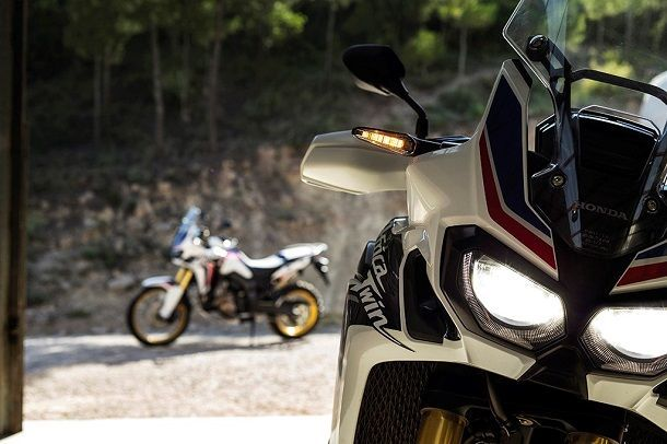 CRF1000L_Africa_Twin_2