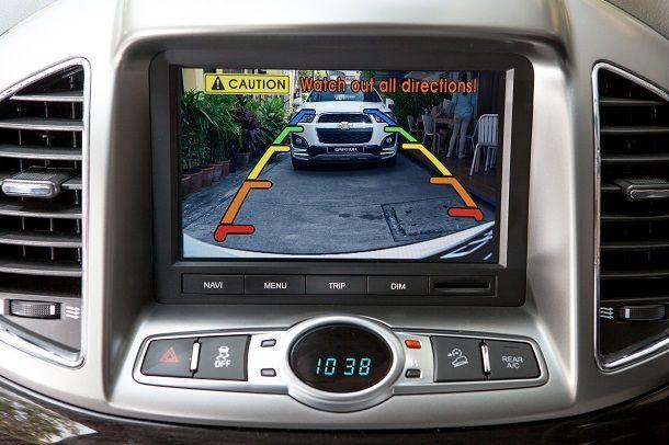 Chevrolet Captiva Sport Edition_rear view camera display