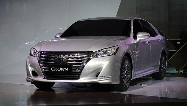 https://img.icarcdn.com/autospinn/body/Crown-1.jpg