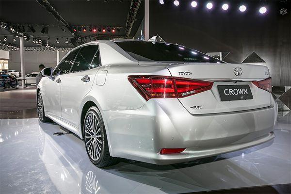 https://img.icarcdn.com/autospinn/body/Crown-3.jpg