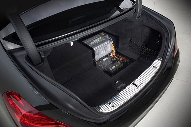 https://img.icarcdn.com/autospinn/body/Daimler-3-wireless-2.jpg
