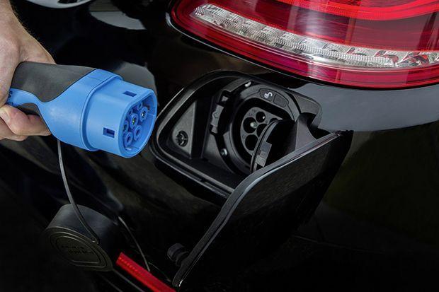 https://img.icarcdn.com/autospinn/body/Daimler-3-wireless-3.jpg