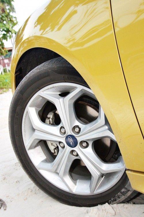 Ford_Focus_201223
