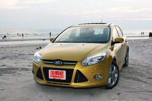 Ford_Focus_201235