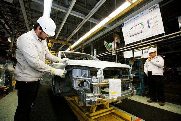 GM-Body-Feeler-Gauge-Inspection