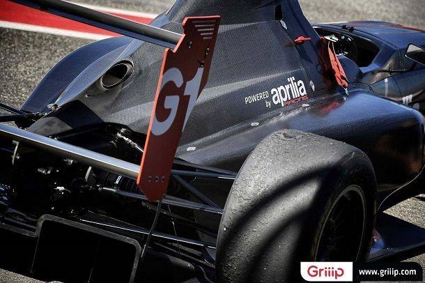 Griip-G1-Aprilia-RSV4-race-car-04