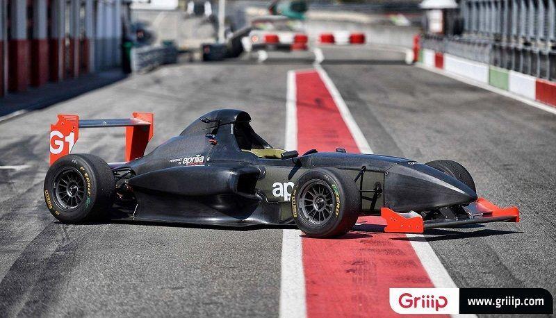 Griip-G1-Aprilia-RSV4-race-car-05