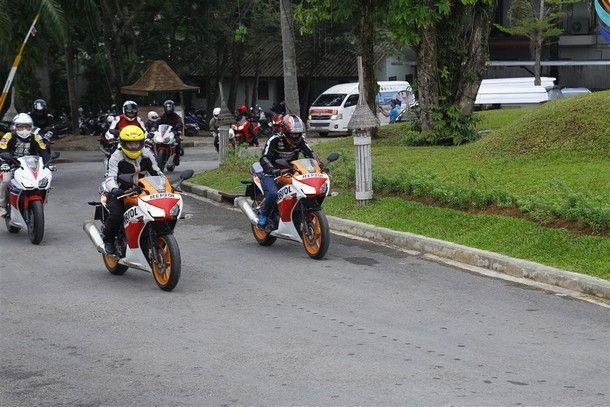 Honda-300-Touring3