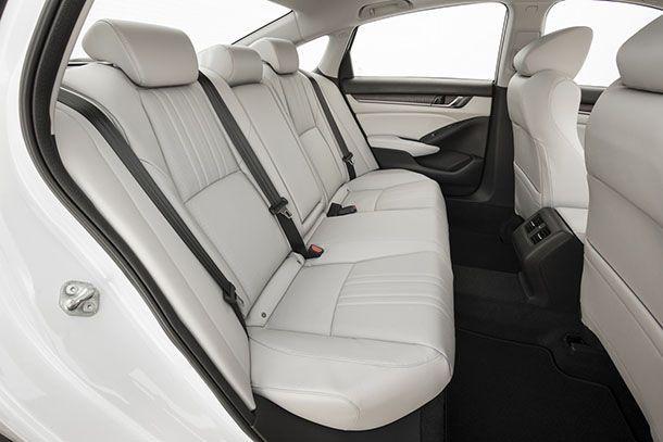 https://img.icarcdn.com/autospinn/body/Honda-Accord-22.jpg