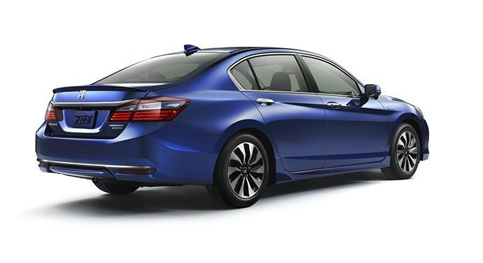 https://img.icarcdn.com/autospinn/body/Honda-Accord-Hybrid-2.jpg