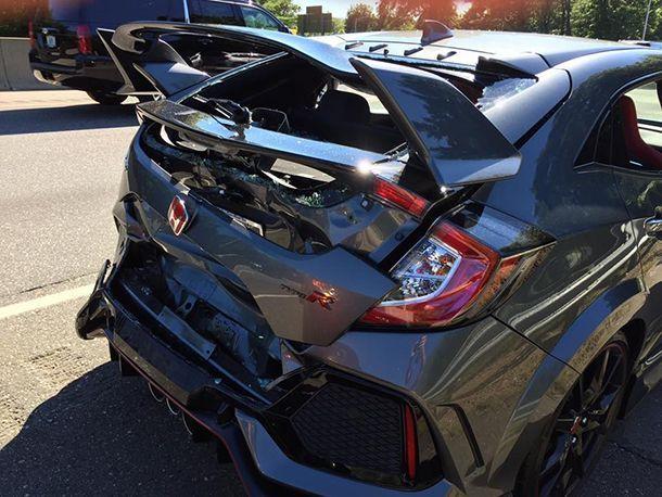 https://img.icarcdn.com/autospinn/body/Honda-Civic-Type-R-Crash-5.jpg