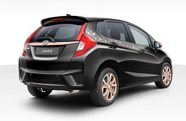 https://img.icarcdn.com/autospinn/body/Honda-Jazz-Spotlight-3.jpg