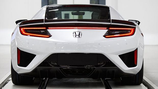 https://img.icarcdn.com/autospinn/body/Honda-NSX-2017-right-hand-drive-production-4.jpg