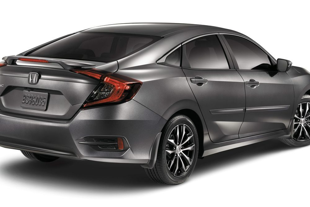 https://img.icarcdn.com/autospinn/body/Honda-brings-2016-Civic-Sedan-1.jpg