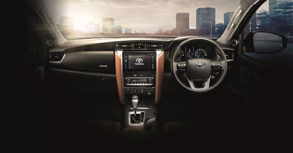 https://img.icarcdn.com/autospinn/body/Interior-RE2.jpg