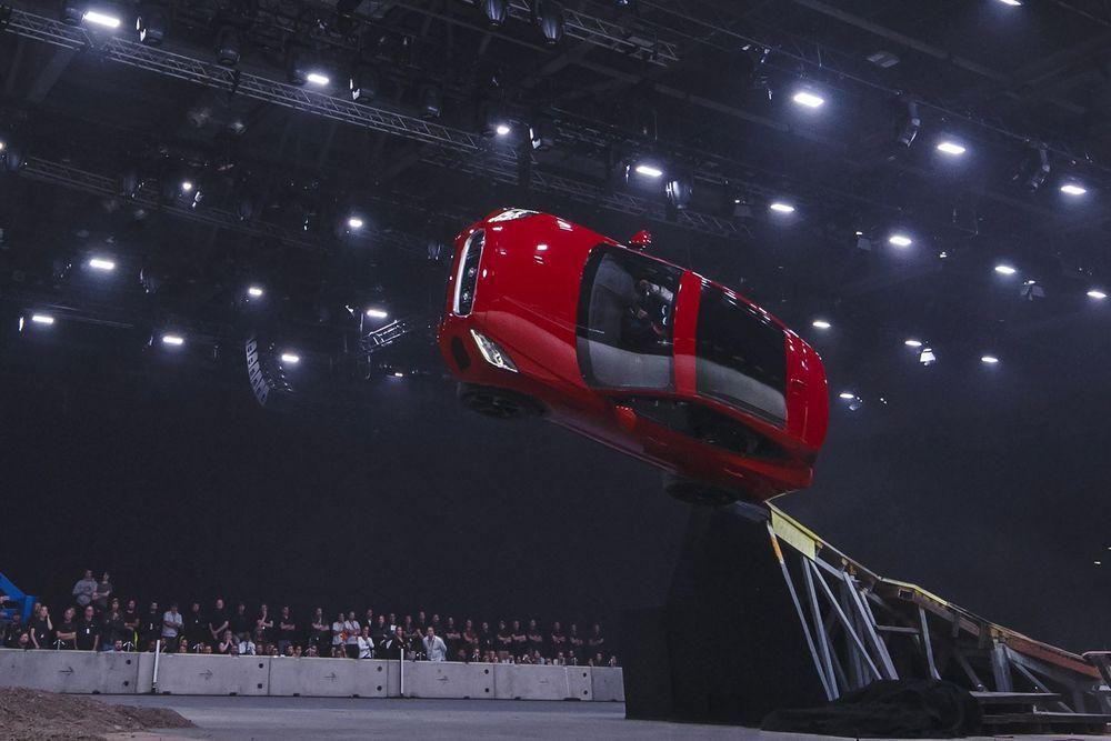 https://img.icarcdn.com/autospinn/body/Jaguar-E-Pace-2.jpg