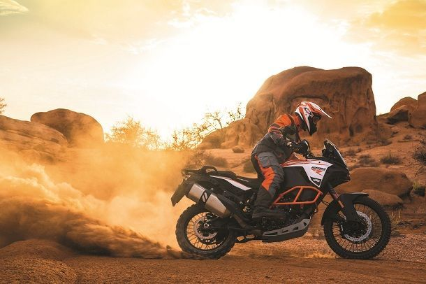 KTM 1290 SUPER ADVENTURE R_Action 03