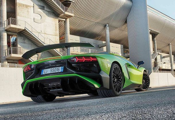 https://img.icarcdn.com/autospinn/body/Lamborghini-Aventador_LP750-4_SV-2016-1600-20.jpeg