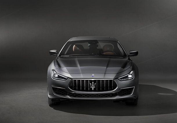 https://img.icarcdn.com/autospinn/body/Maserati-Ghibli-GranLusso-2.jpg