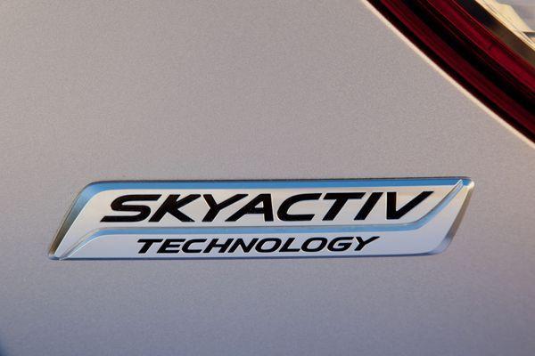 https://img.icarcdn.com/autospinn/body/Mazda-Skyacxtiv-13.jpg
