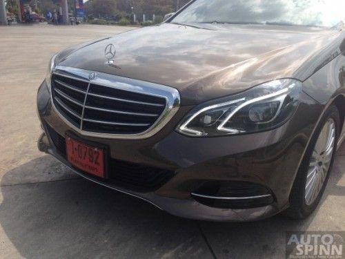 Mercedes-Benz_E300BTHB-13
