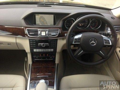 Mercedes-Benz_E300BTHB-26