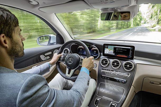 https://img.icarcdn.com/autospinn/body/Mercedes-GLC-FCell-21.jpg