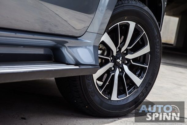 Mitsubishi Pajero Sport 2WD GT (15)