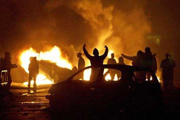 https://img.icarcdn.com/autospinn/body/Muslims-car-burning-France.jpg
