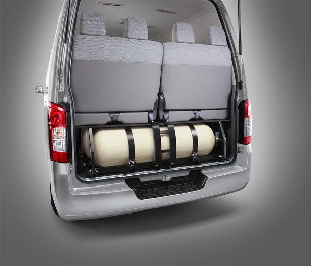 Nissan-Big-Urvan-CNG_5