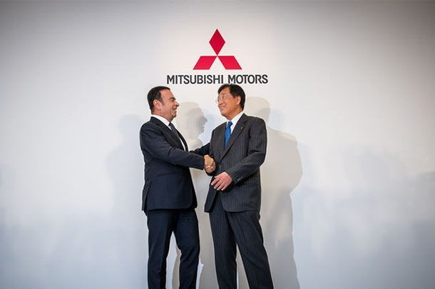 https://img.icarcdn.com/autospinn/body/Nissan-CEO-Carlos-Ghosn-Mitsubishi-president-Osamu-Masuko.jpg