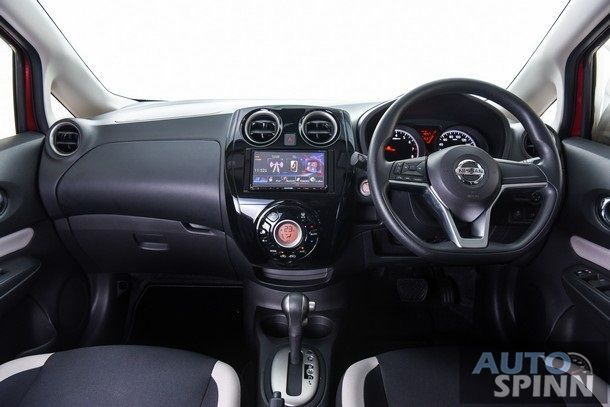 Nissan NOTE_048