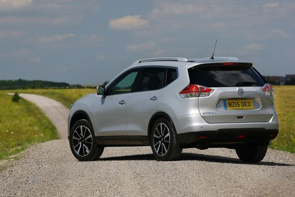 https://img.icarcdn.com/autospinn/body/Nissan-X-Trail-uk-2.jpg