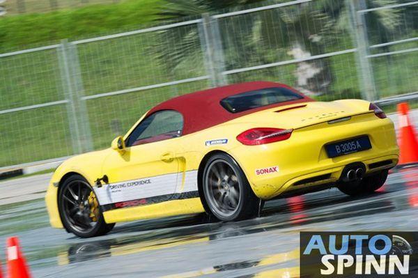 https://img.icarcdn.com/autospinn/body/Porsche-Driving-Experience_22_610.jpg