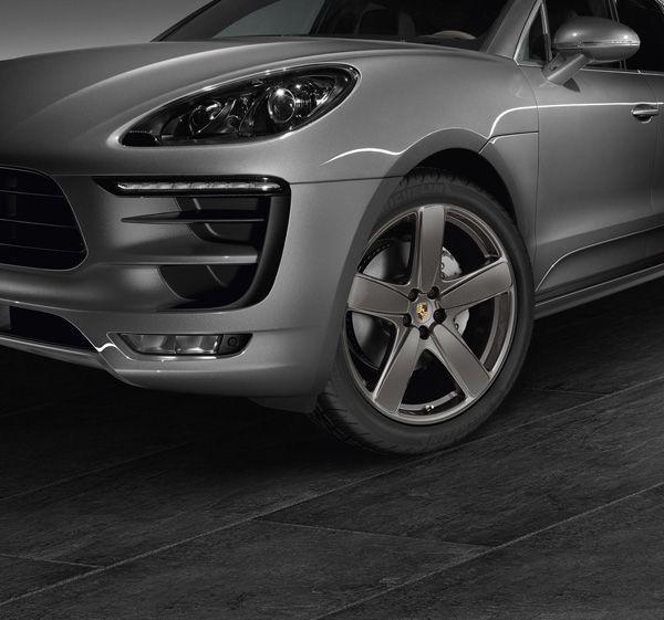 https://img.icarcdn.com/autospinn/body/Porsche-Macan-2.jpg