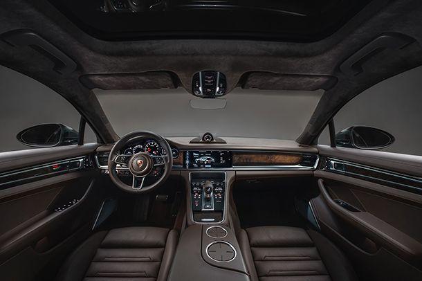 https://img.icarcdn.com/autospinn/body/Porsche-Panamera-Sport-Turismo-6.jpg