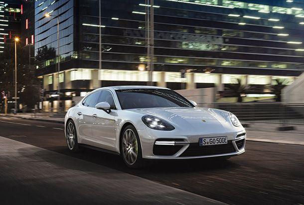https://img.icarcdn.com/autospinn/body/Porsche-SEHybrid-Panamera-1.jpg