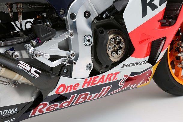 Repsol-Honda-RC213V-MotoGP-Marc-Marquez-15