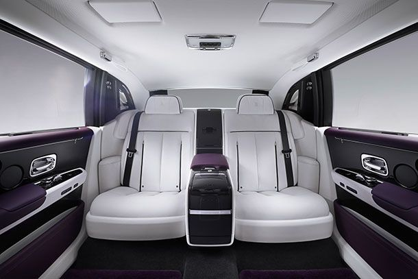 https://img.icarcdn.com/autospinn/body/Rolls-Royce-Phantom-26.jpg