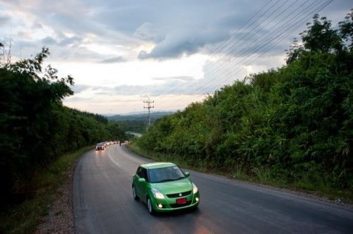 Suzuki-Swift-Energy-Green_45