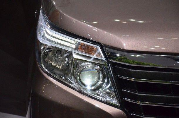 TSL_Toyota Noah_Headlight