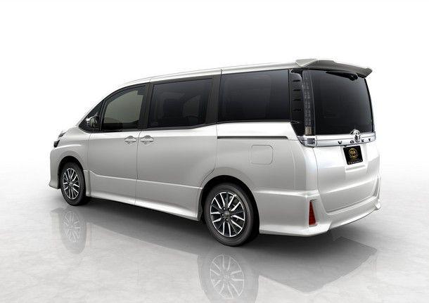 TSL_Toyota Voxy_Beside Back