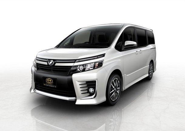 TSL_Toyota Voxy_Front