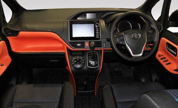 TSL_Toyota Voxy_interior_001