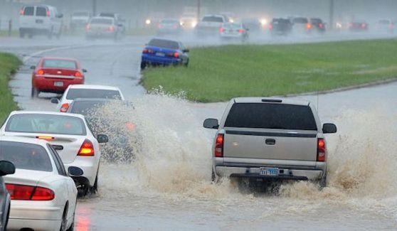 https://img.icarcdn.com/autospinn/body/Texas-Chevy-Flood.jpg