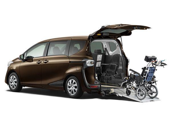 https://img.icarcdn.com/autospinn/body/Toyota-Sienta-24-r.jpg