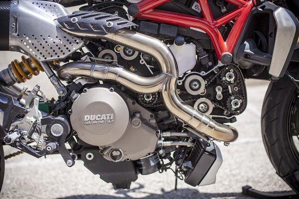 XTR-Pepo-Siluro-Ducati-Monster-1200-09