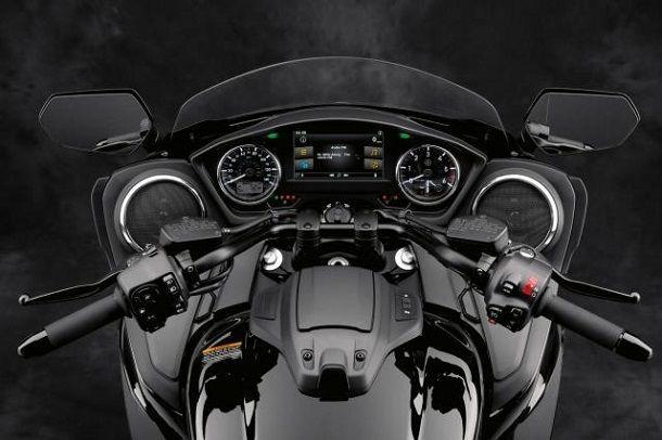 Yamaha Star Eluder dash_0