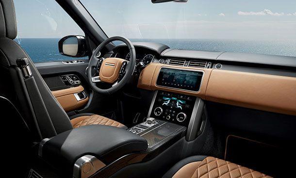 https://img.icarcdn.com/autospinn/body/a76c0487-range-rover-45.jpg