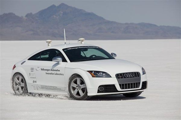 https://img.icarcdn.com/autospinn/body/audi-tts-shelley-autonomous-car_100233362_m.jpg
